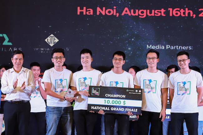 YoungGRD là dự án giành giải nhất cuộc thi Vietnam AI Grand Challenge do Kambria tổ chức. Nhóm nhận 10.000 USD tiền thưởng