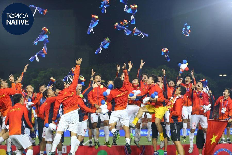 Đội tuyển bóng đá U22 Việt Nam ăn mừng chiến thắng Sea Games 30