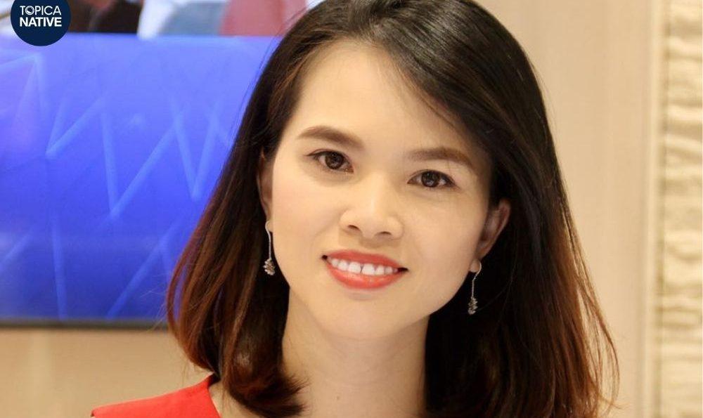 Chi Ngiyễn review topica