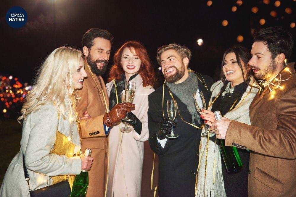 Ở nước ngoài, năm mới còn là dịp tụ họp, tổ chức lễ hội lớn nhất trong năm